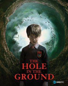 Skylė žemėje / The Hole in the Ground (2019)